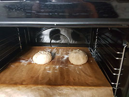 IMG:http://stuff.unrealsoftware.de/pics/s3dev/research/baking/breadrolls_06_pre.jpg